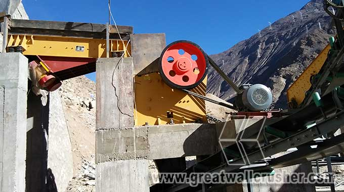 Small jaw crusher for sale in construction industry